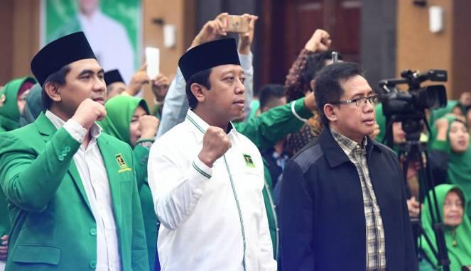 Ketua Umum DPP PPP romahurmuziy tengah